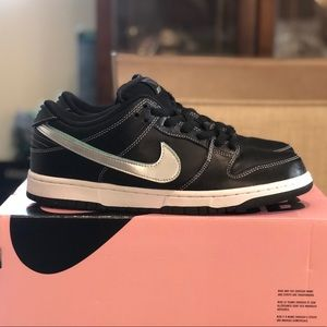 SOLD !!!! Nike Dunk SB Low Diamond Supply Co.